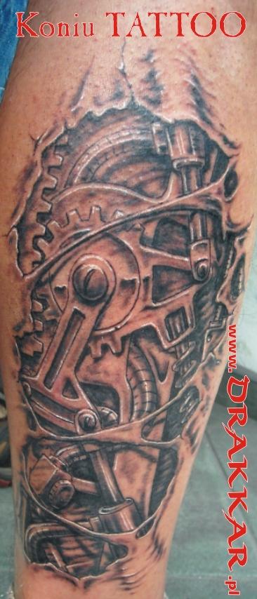 zębatki - tatuaż zrobiony w studio tatuażu w Tarnowskich Górach