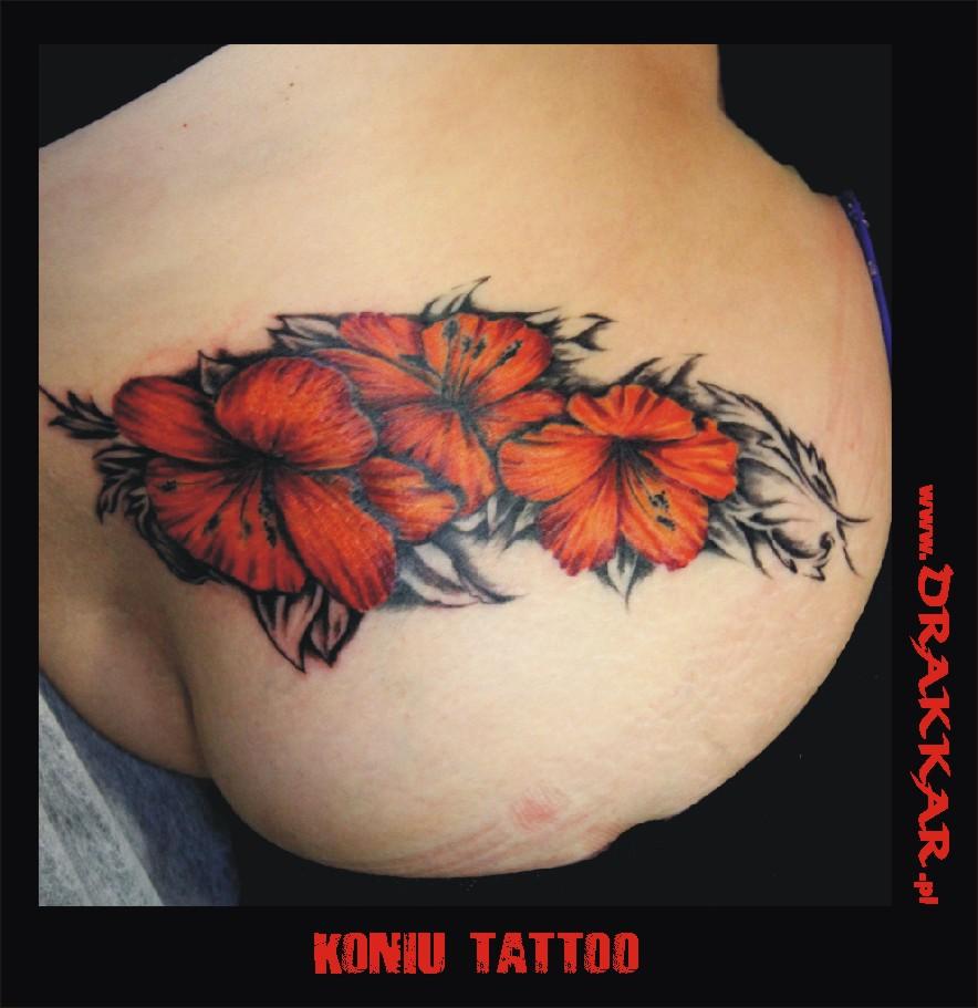tatuaż z kwiatami, studio tatuażu Katowice
